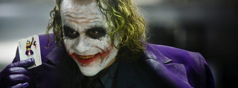 Dark Knight Leads Warner's Q4